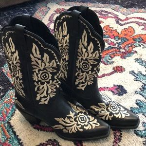 Black embroidered western boots